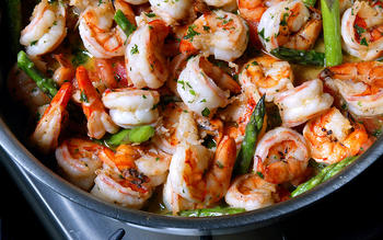 Garlic Shrimp With Asparagus