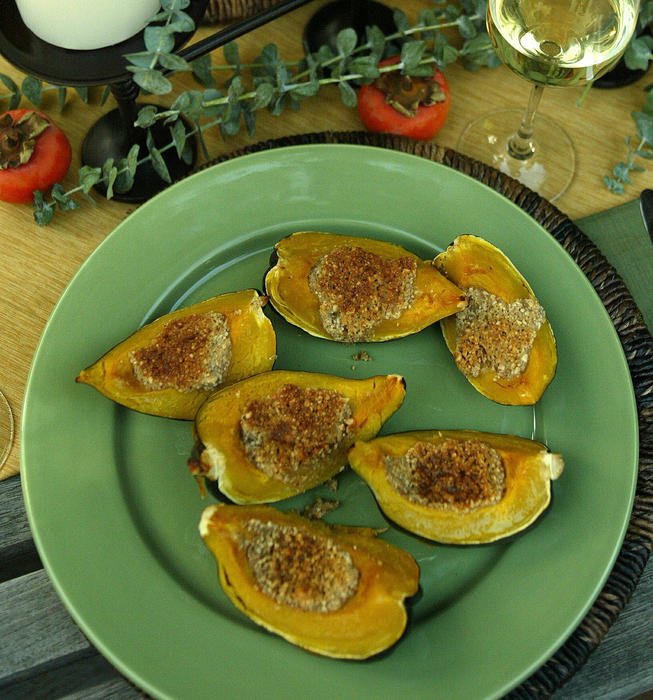 Acorn squash with hazelnut butter