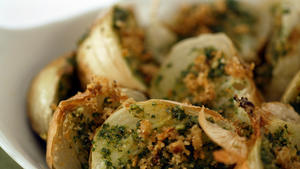 Roasted onions with almond pesto