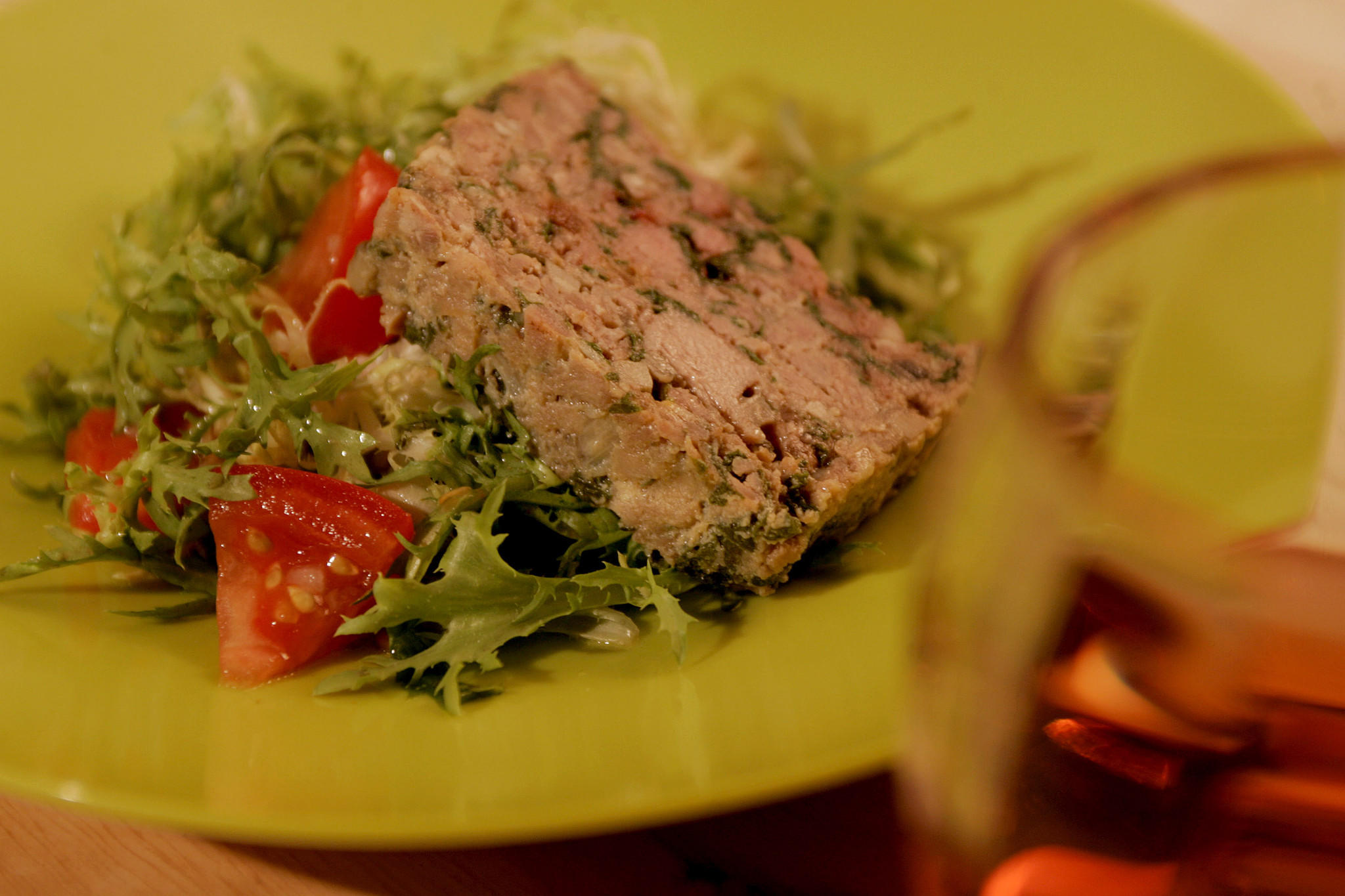 Tomato and frisee salad