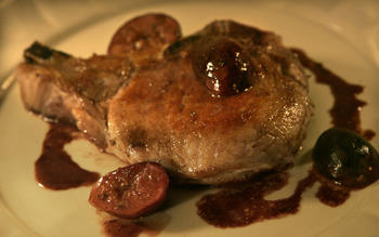 Pork chops with roasted figs