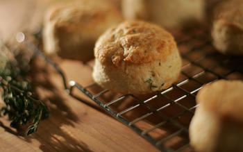 Thyme-cheese scones