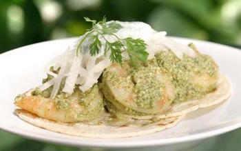 Shrimp tacos with pumpkin seed sauce