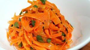 Carrot-cilantro salad with ginger dressing