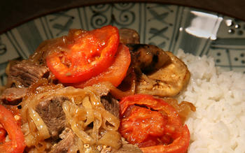 Ingriyi (sweet and sour meat and eggplant)