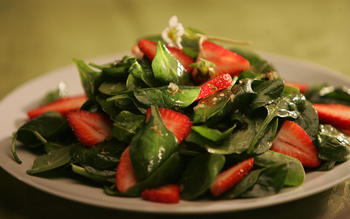 Spinach and strawberry salad with thyme-infused vinaigrette