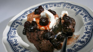 Chocolate shortcakes with brandied cherries