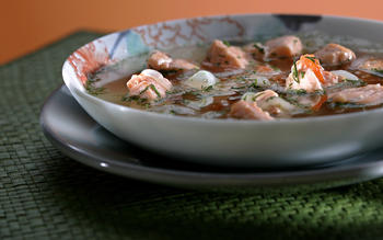 Salmon with tomato, dill and garlic soup (canh rieu ca)