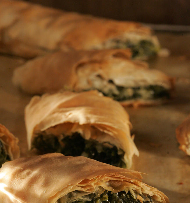 Cheese-and-spinach phyllo rolls