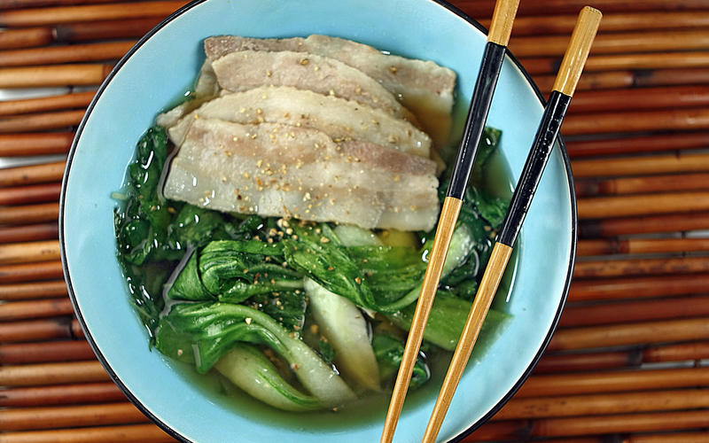 Pork belly and greens hot pot