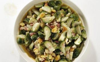 Brussels sprouts braised with bacon and chestnuts