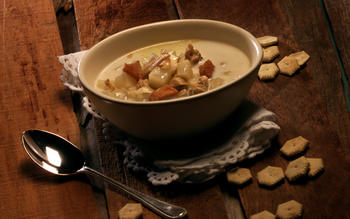 Milky Maine steamer chowder