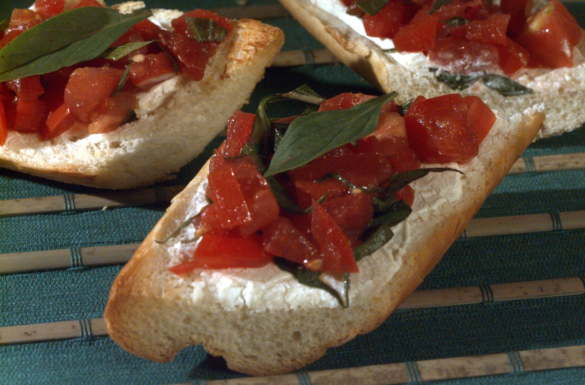 Warm Goat Cheese Bread With Tomatoes and Basil