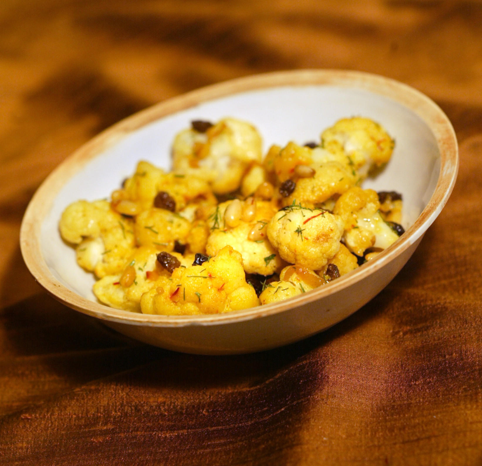 Cauliflower with currants and pine nuts