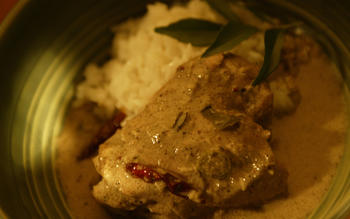 South Indian-style chicken with curry leaves and black peppercorns (dakshin murgh)