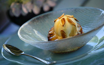 Grilled peaches with Muscat de Beaumes-de-Venise