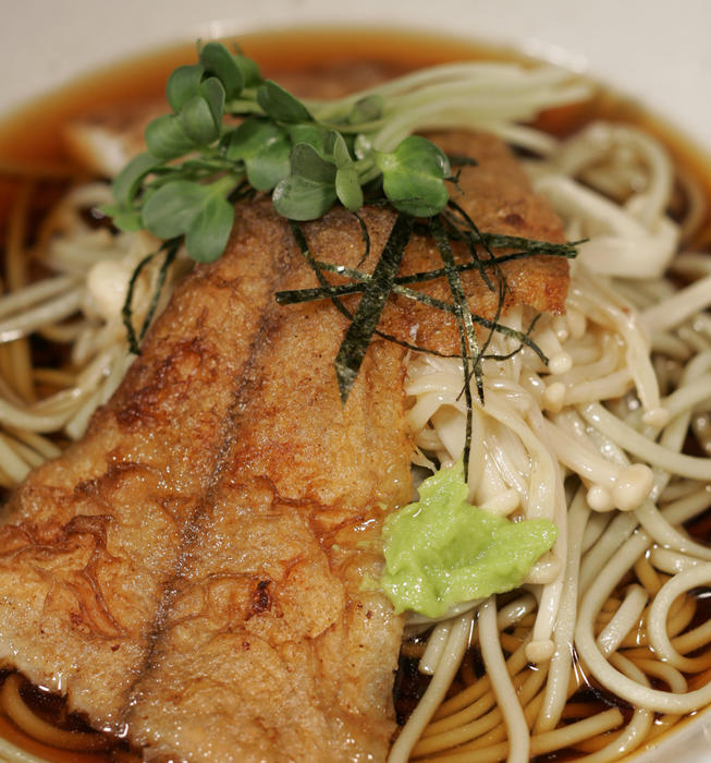 Green tea soba with flounder and enoki mushrooms