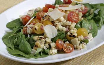 Grilled corn and arugula salad