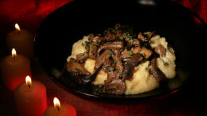 Grits with deviled shiitakes