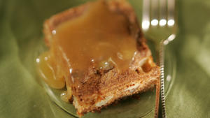Apple-nut cake with caramel sauce