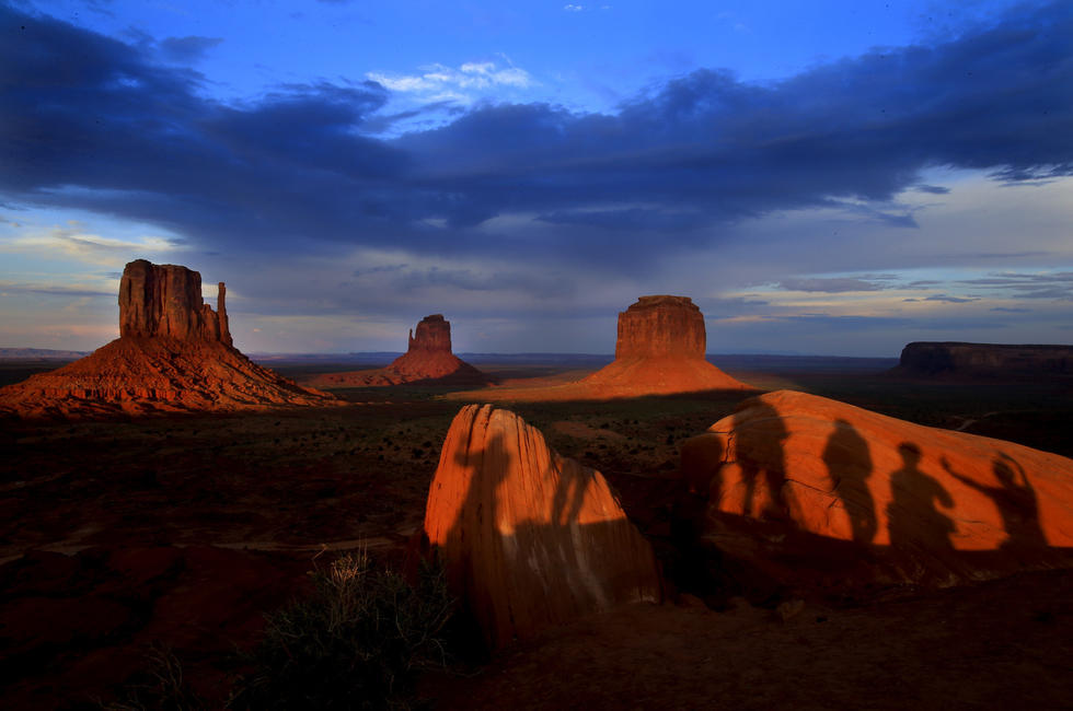 79674f8cab8644 Monument Valley  A stark beauty deep in Navajo country - Los Angeles ...