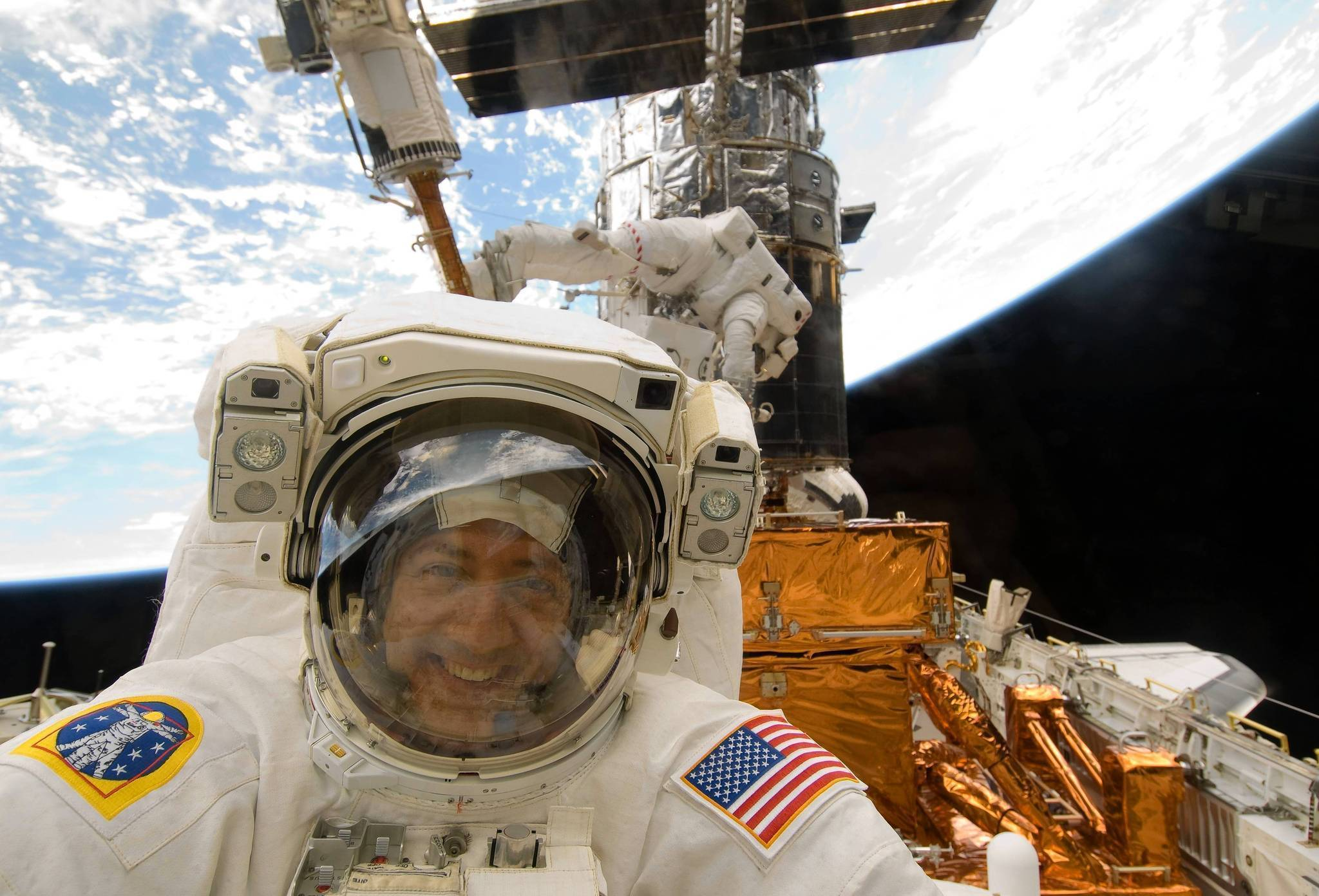 Could 'Gravity' happen? Astronauts explain the science and ...