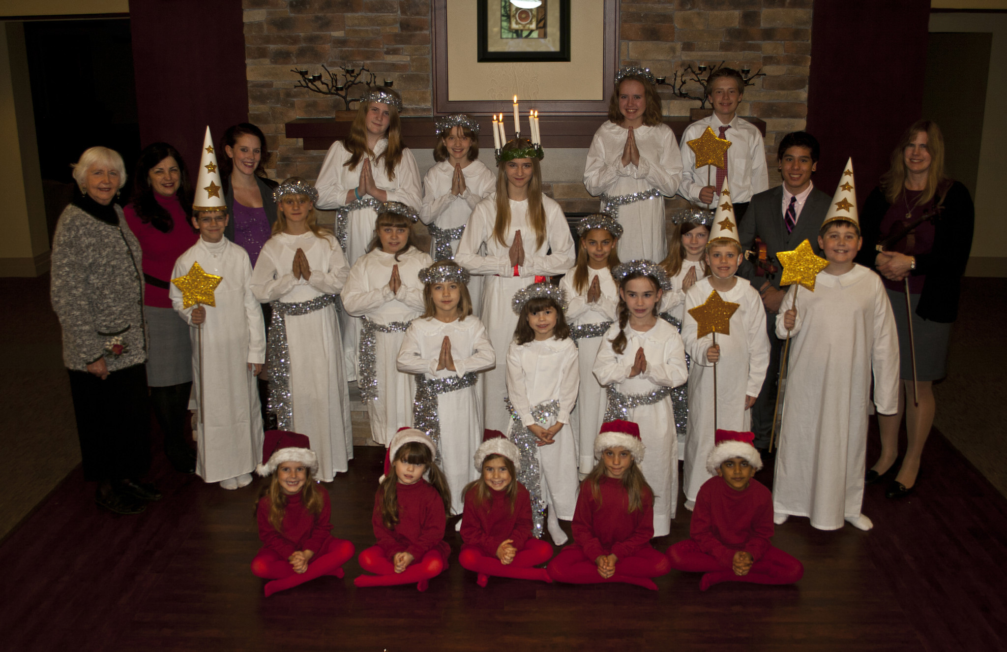 Swedish Christmas And St Lucia Festival Chicago Tribune