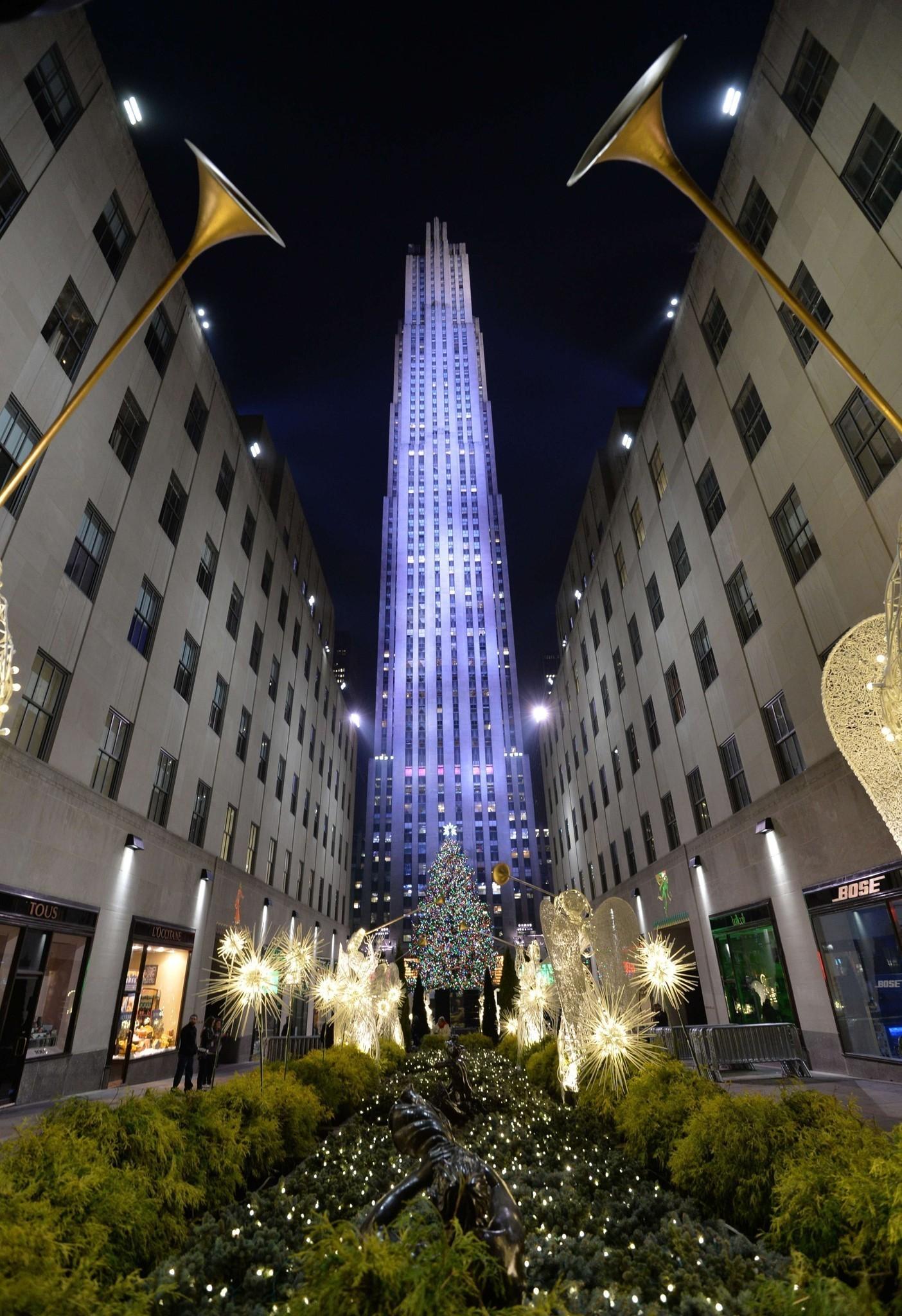 When The Christmas Tree Lighting Rockefeller Center