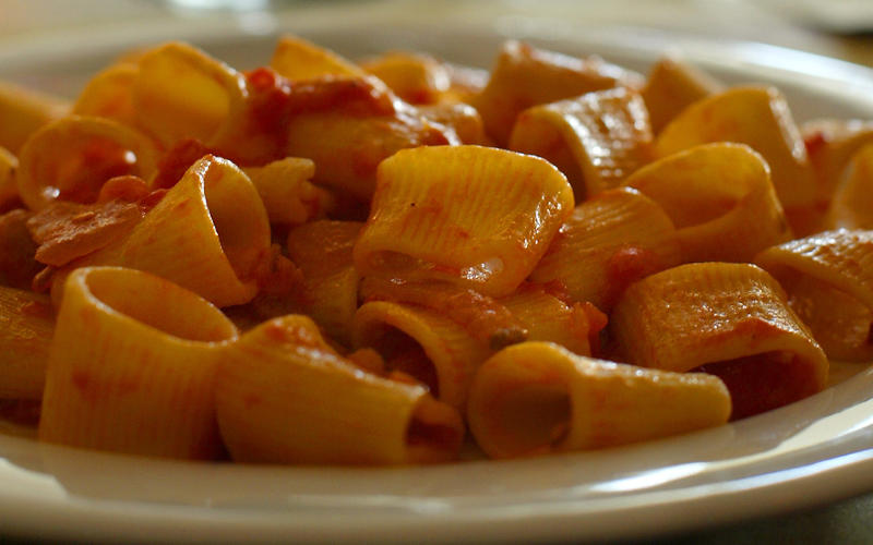 Bombolotti all' amatriciana