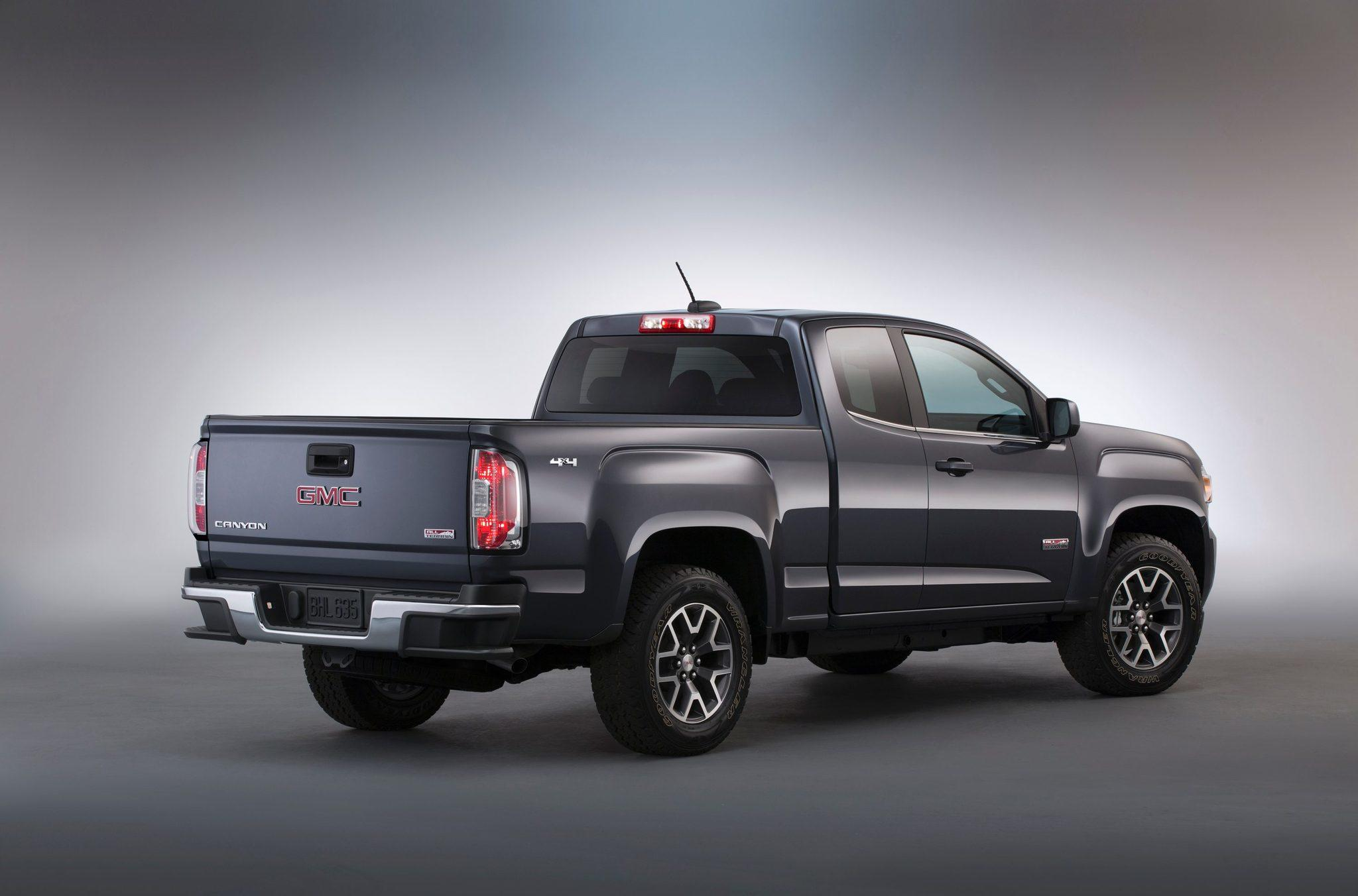 detroit auto show gmc debuts new 2015 canyon mid size truck latimes. Black Bedroom Furniture Sets. Home Design Ideas