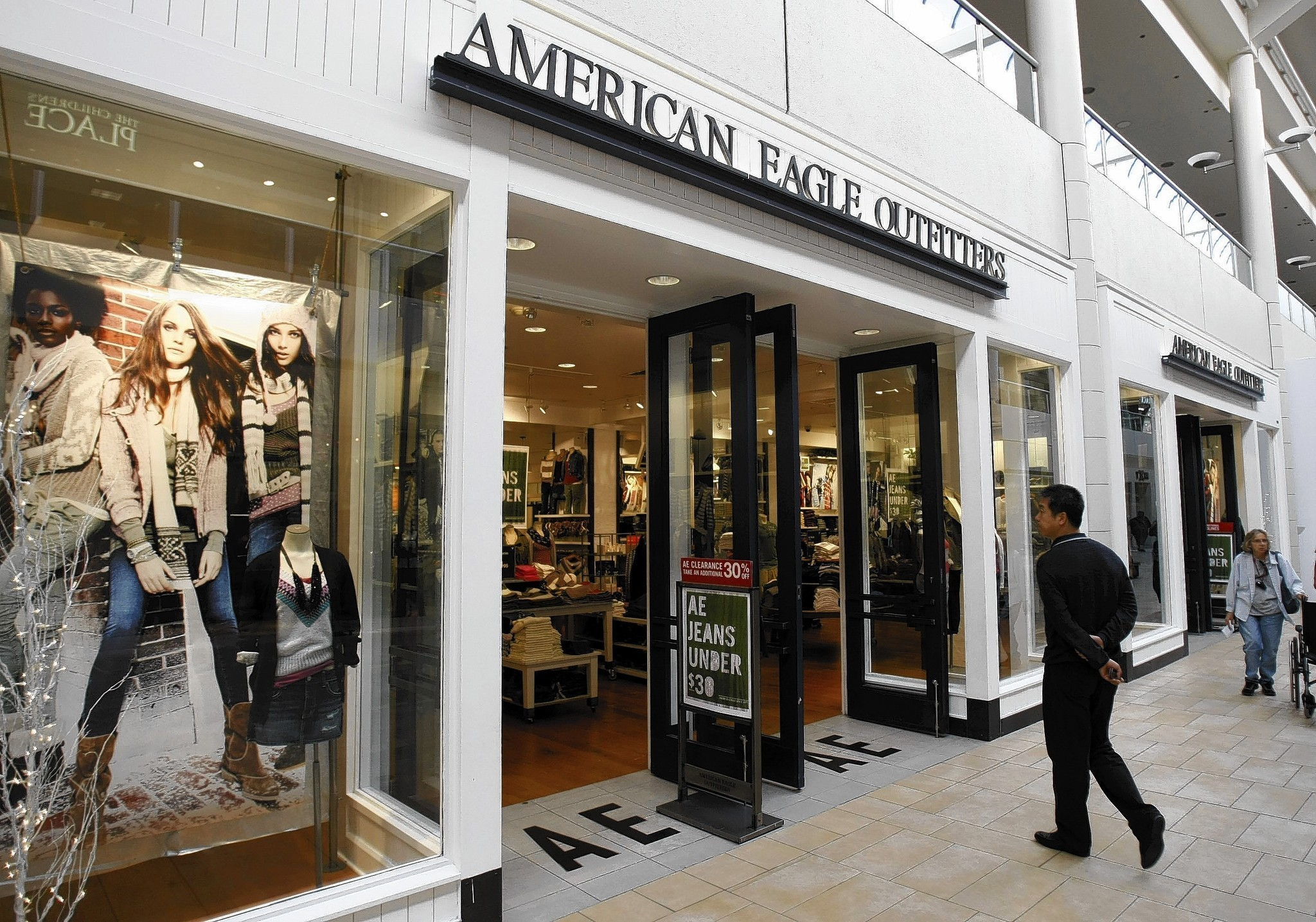 American Eagle Outfitters stock falls after CEO's surprise ...