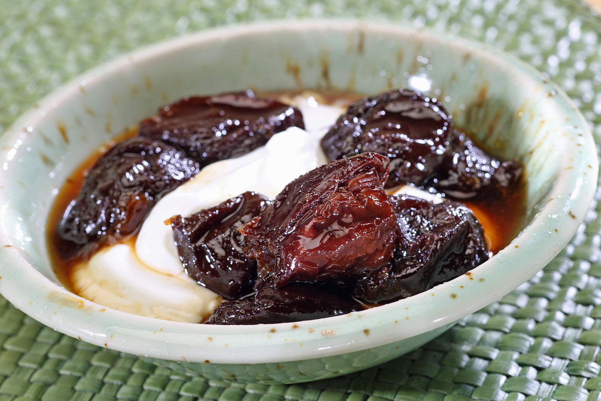 Prune compote in black tea