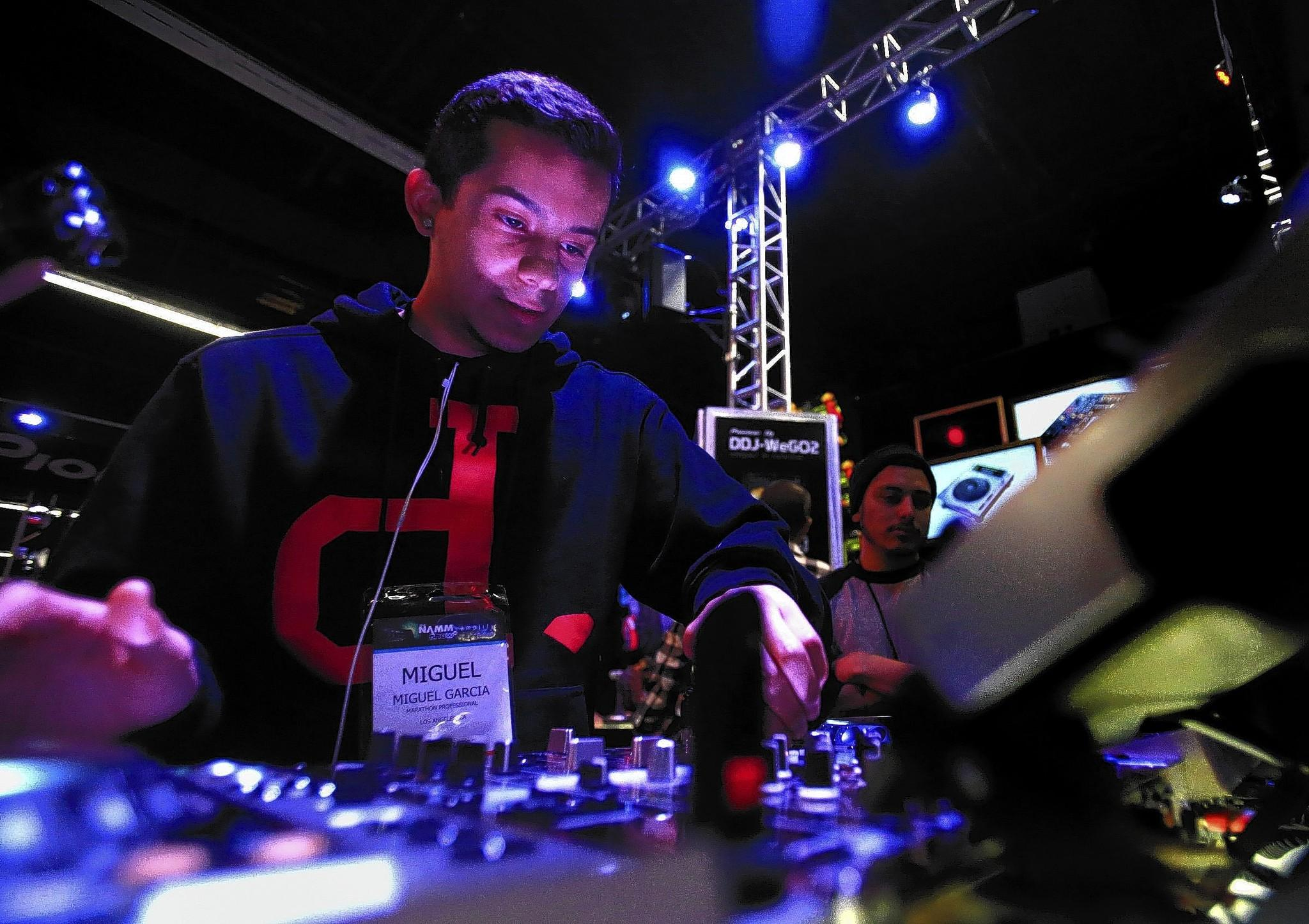 Copyright In Electronic Dance Music: DJs Give New Gear A Spin Amid Boom In Electronic Dance