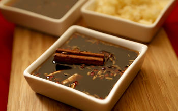 Sweet, aromatic soy sauce (fu zhi jiang you)
