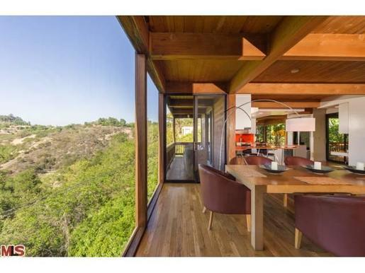 Daydream Stars Harry Styles Drops 4m On House Near Beverly Hills
