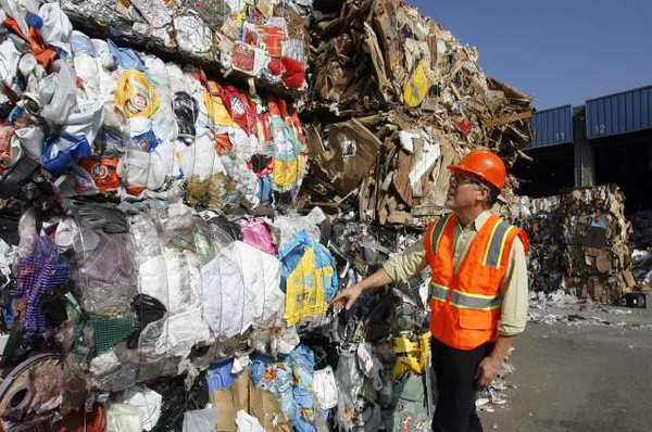 Burbank Recycling Center >> Reactions Mixed As Burbank Recycle Center Stops Paying Crv Fees La
