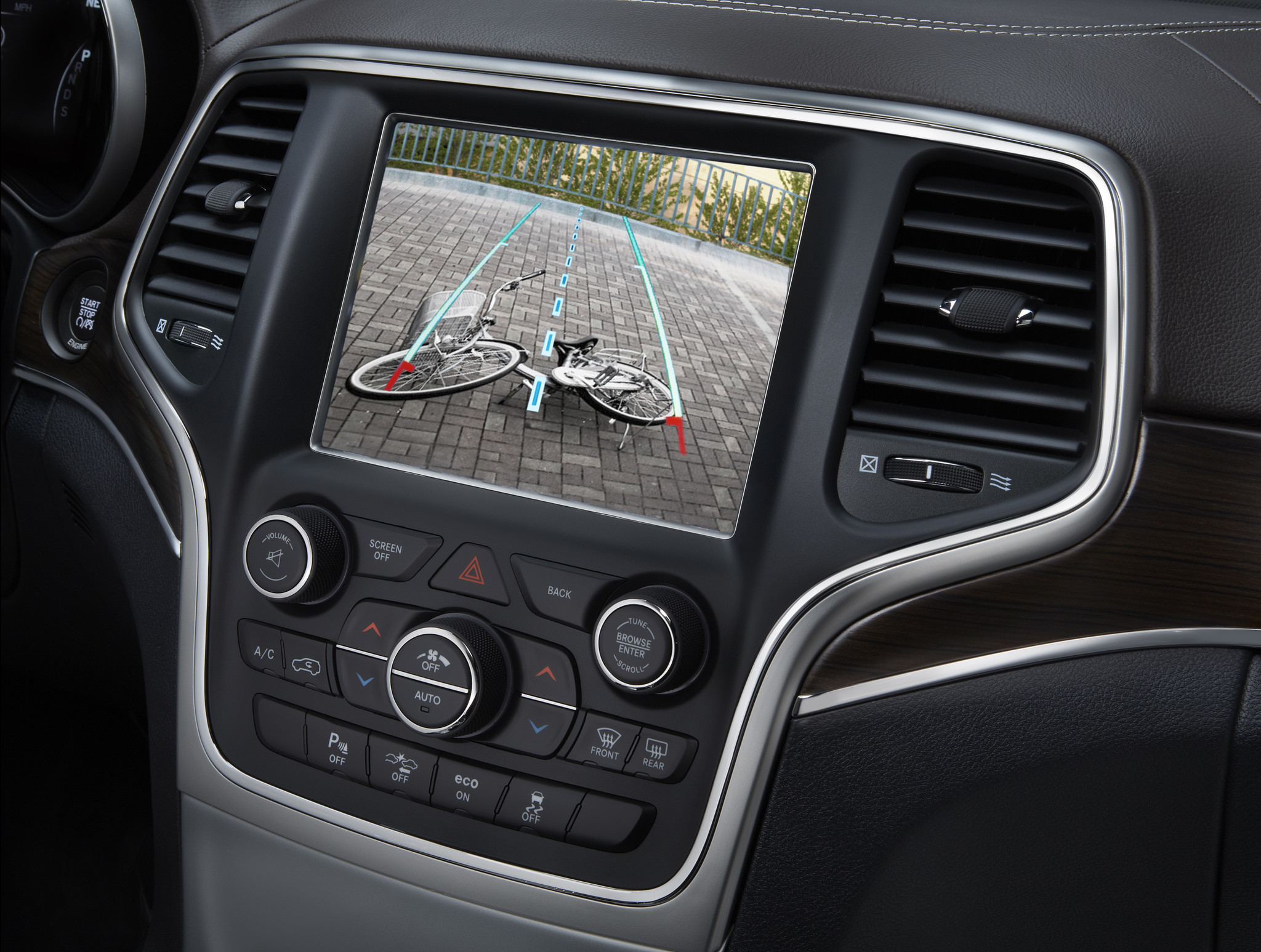 backup cameras to be required in all new vehicles starting in 2018 la times. Black Bedroom Furniture Sets. Home Design Ideas
