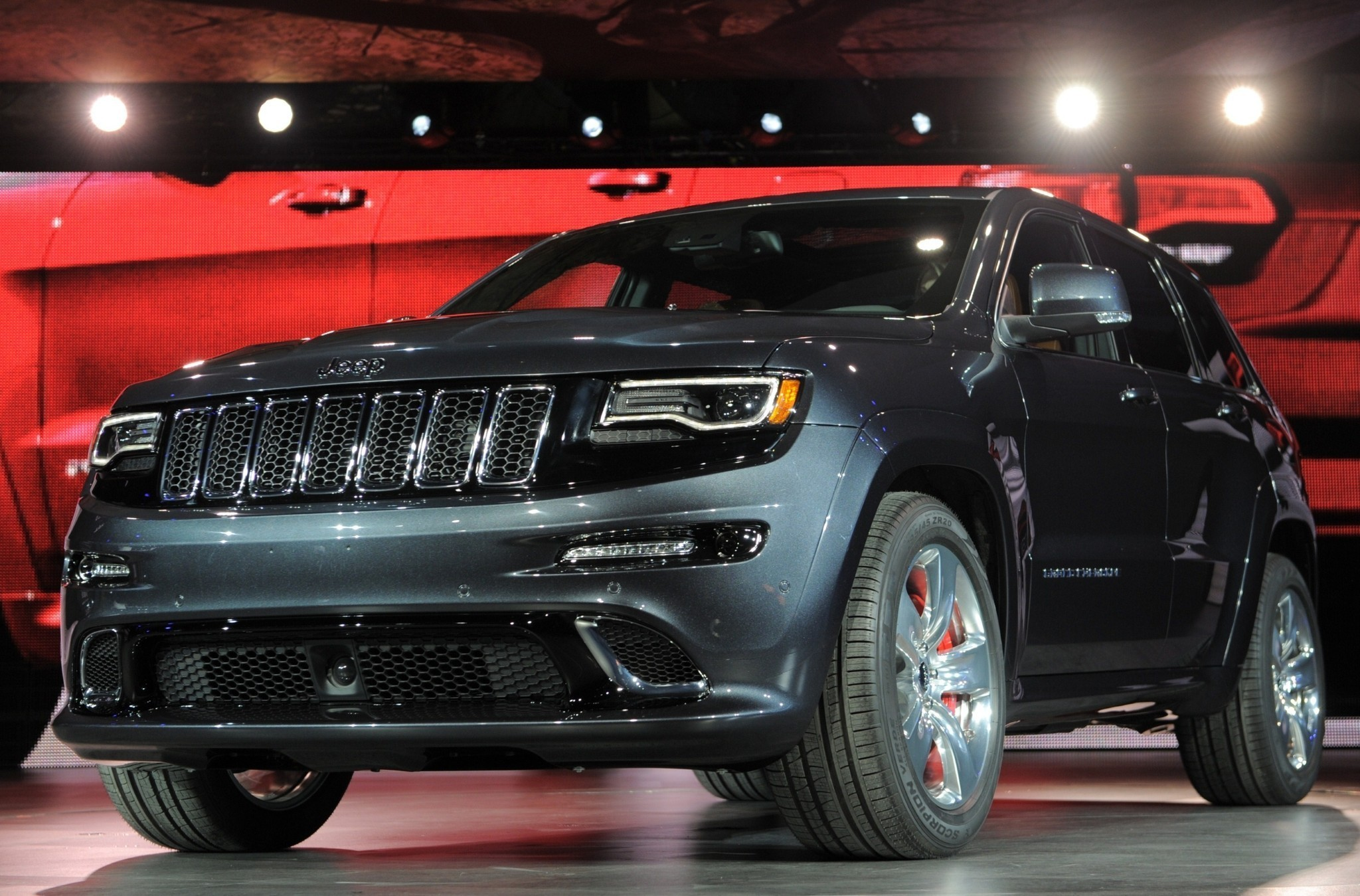 brake problems spur big jeep grand cherokee dodge durango recall the morning call. Black Bedroom Furniture Sets. Home Design Ideas