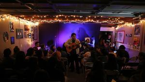 Arts blossom in a 'garage salon' in Bell