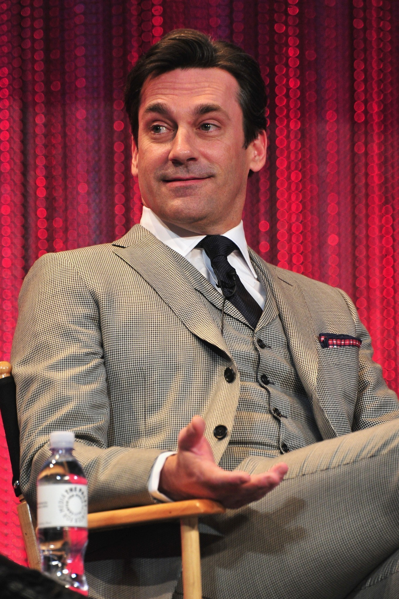 4 Replies to Jon hamm dating show clip art