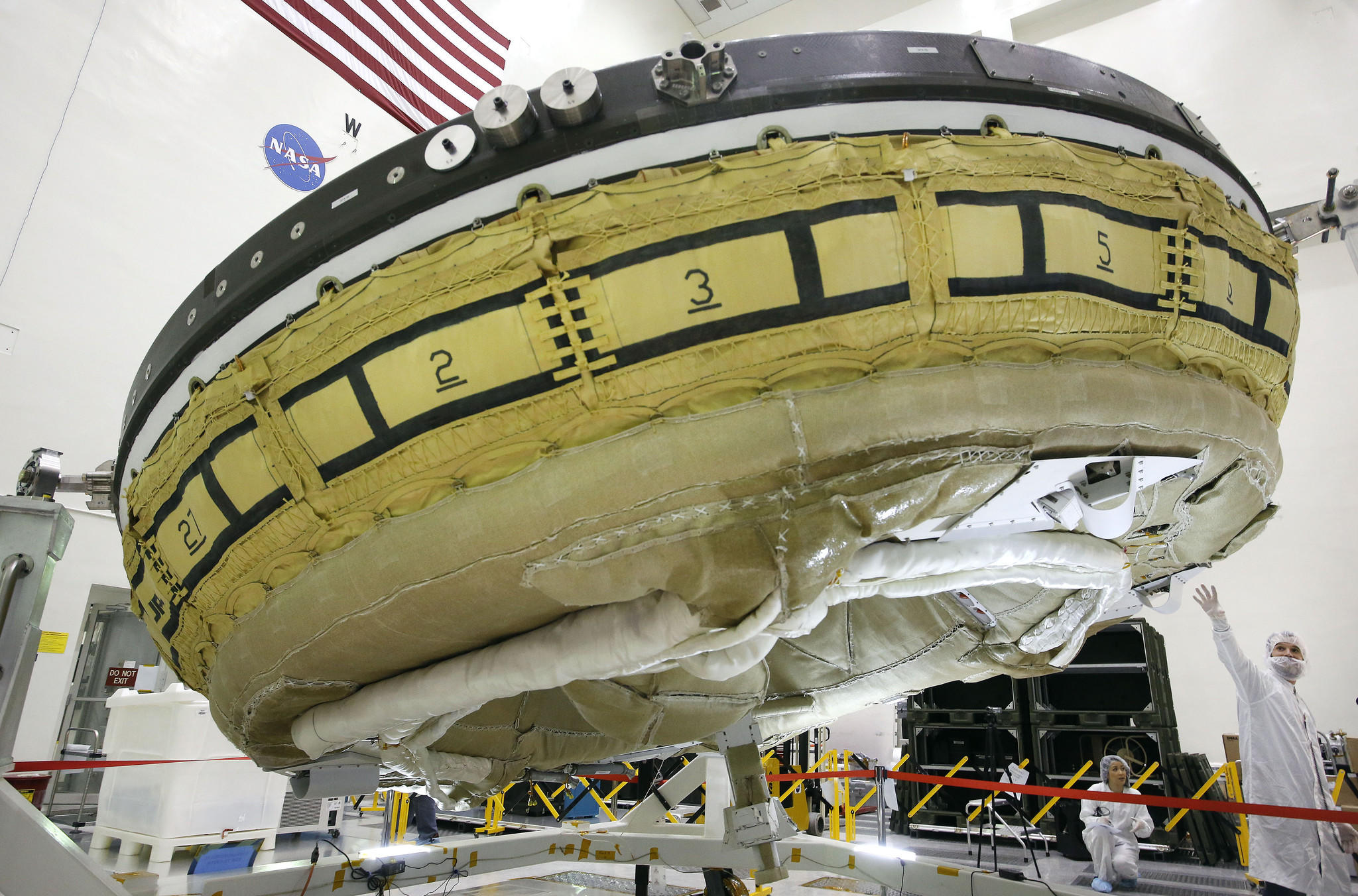 nasa saucer ship shaped design - photo #1