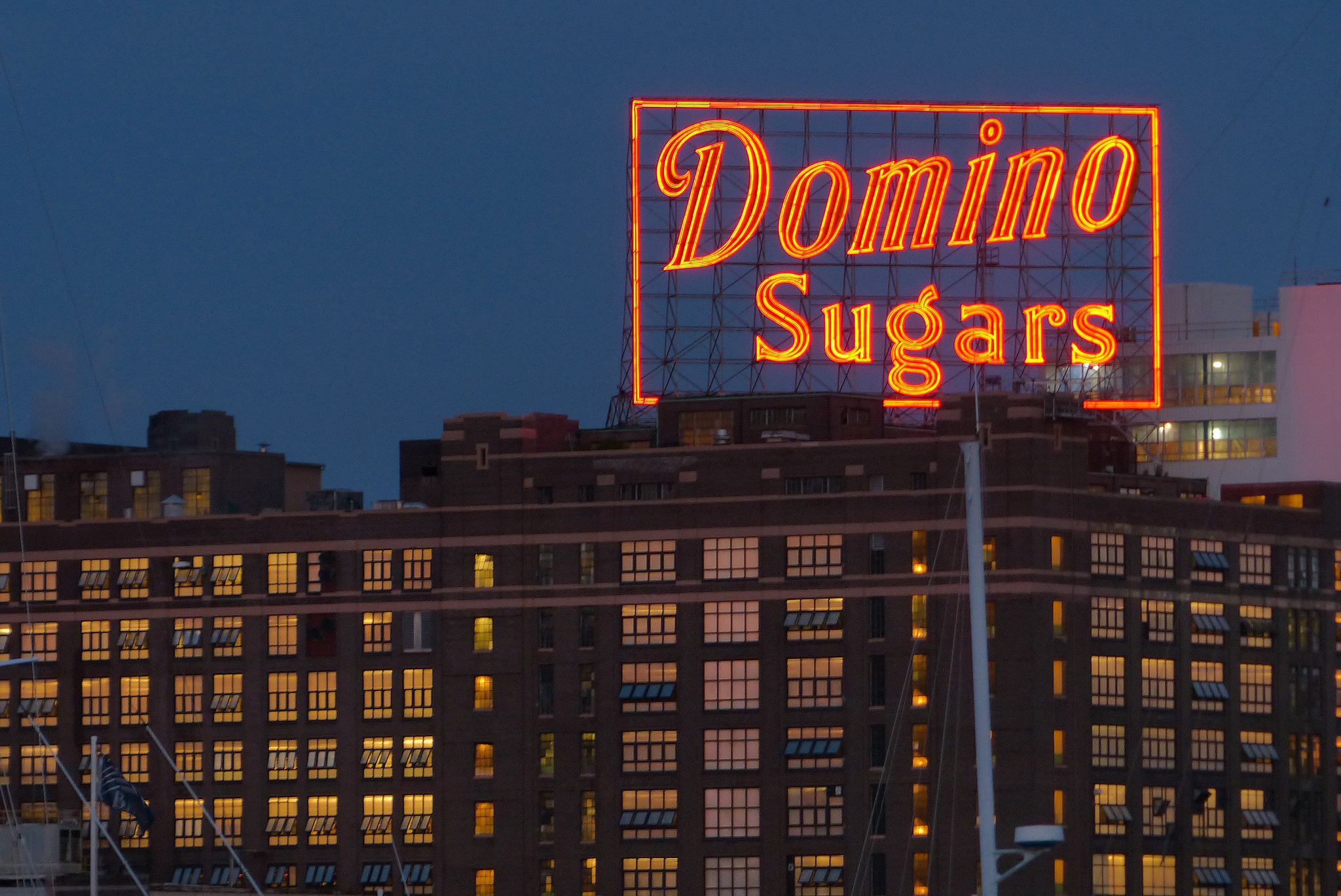 Domino Sugars Sign On Baltimore S Skyline Goes Solar