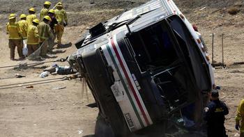 4 Killed Dozens Injured In California Bus Crash On I 10 Near Blythe