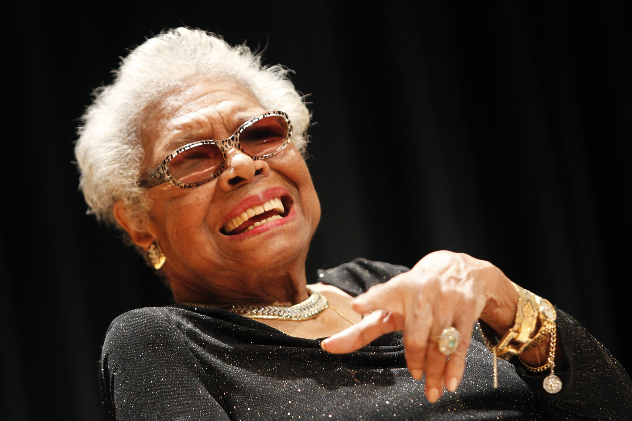 a angelou who vividly detailed the black experience dies at a angelou who vividly detailed the black experience dies at 86 la times