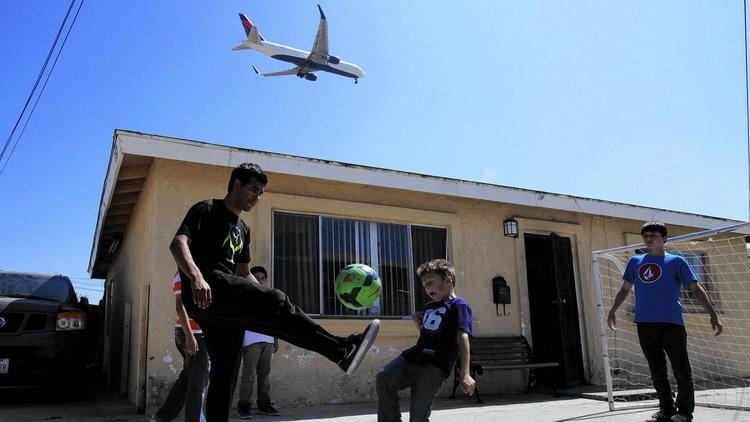 Airplane pollution