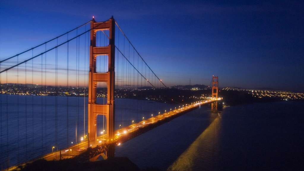 Reversible lanes were first used in California on the Golden Gate Bridge. (Robert Durell / Los Angeles Times)