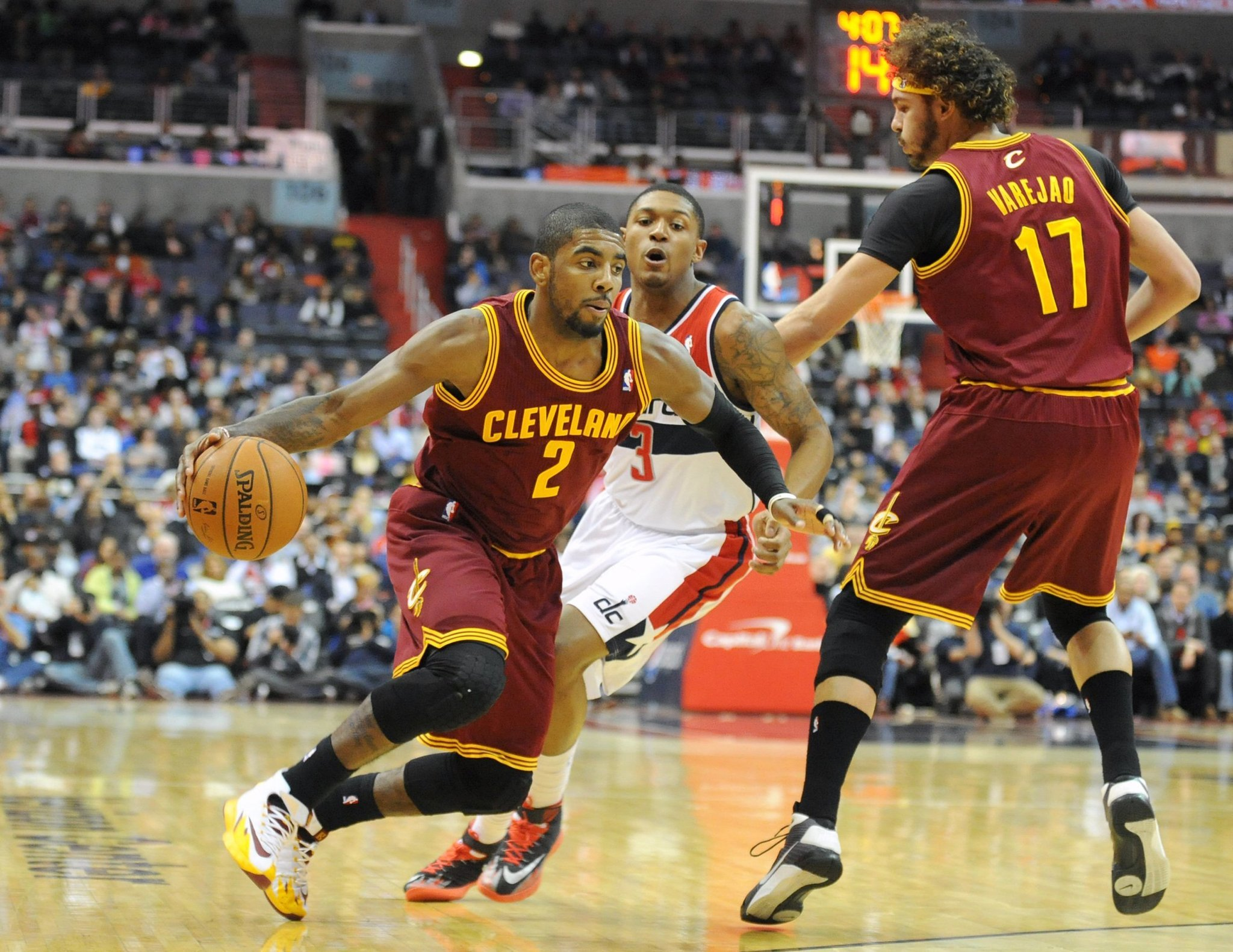 Cleveland Basketball Team >> Kyrie Irving, Cavaliers agree on extension - Chicago Tribune