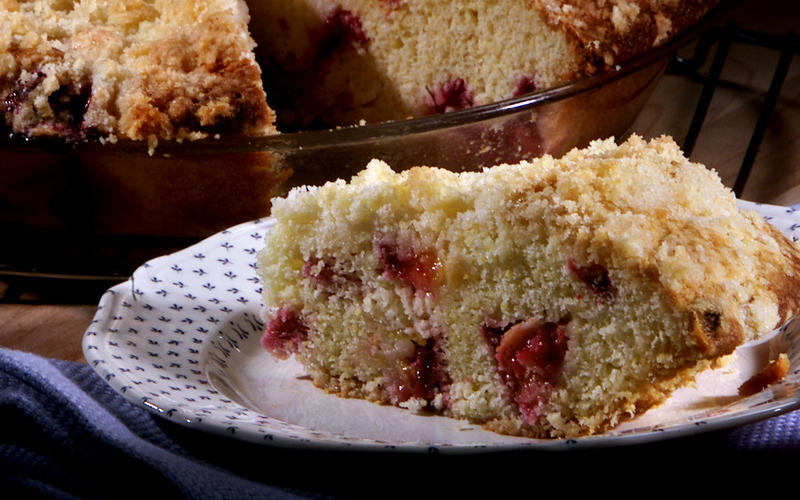 Cornmeal buckle with plums