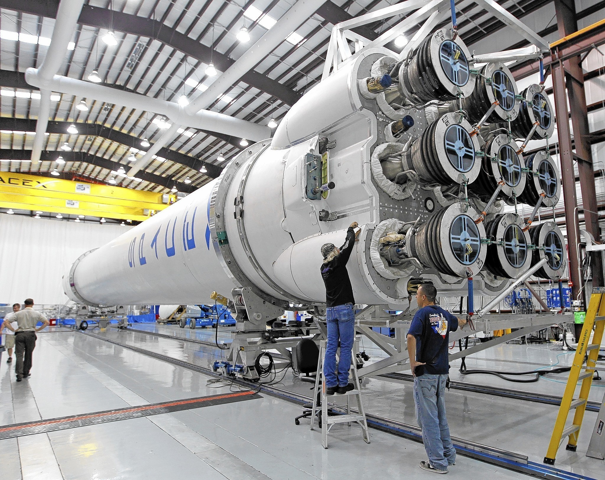 Air Force certifies SpaceX Falcon 9 flights - LA Times