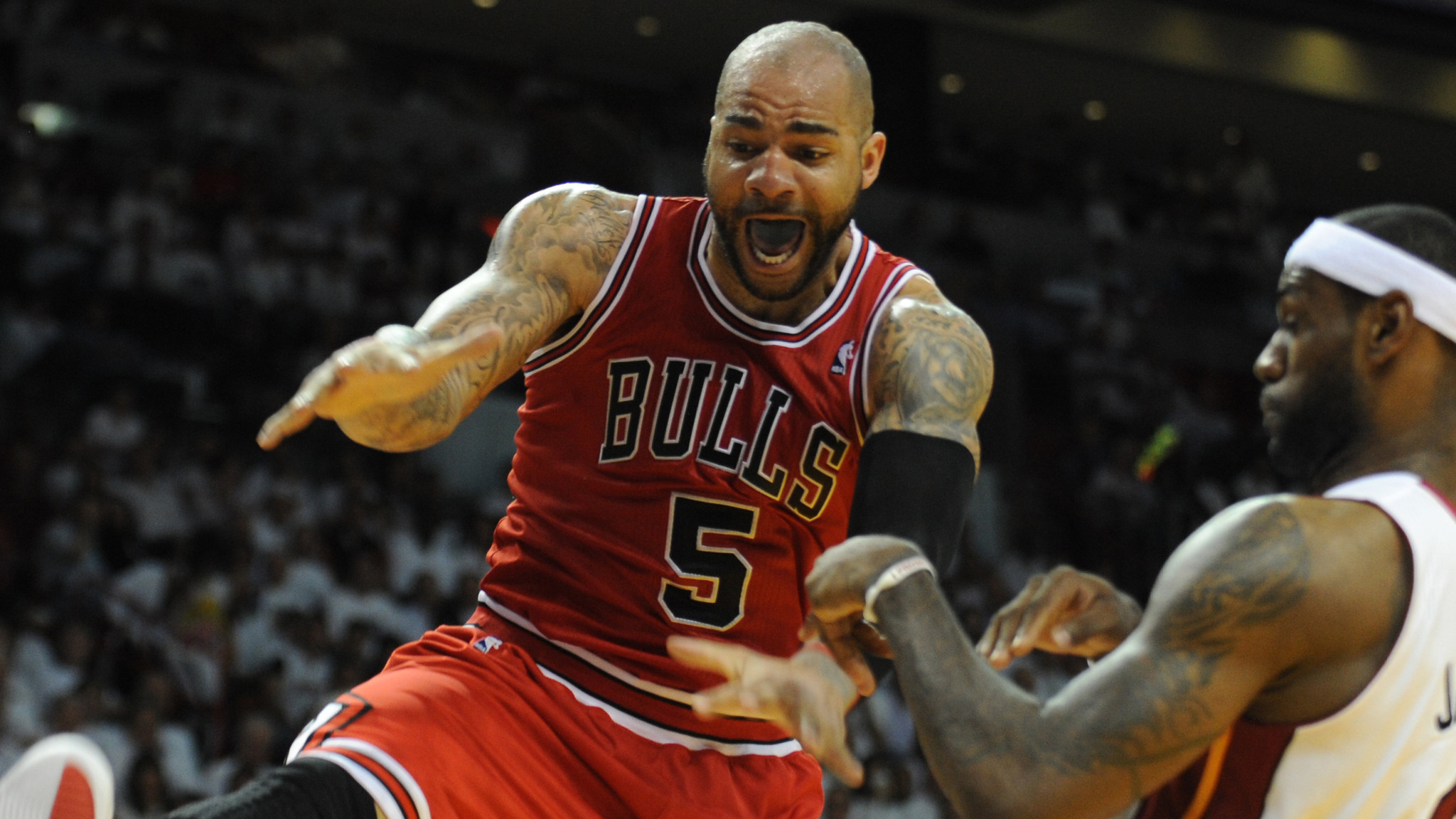 Chicago Bulls waive Carlos Boozer; Lakers possible bidder ...